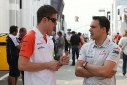 Paul di Resta, Force India F1 Team, y Gary Paffett, McLaren Mercedes pilotos de prueba