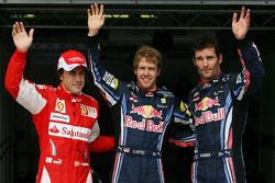 Ganador de la pole Sebastian Vettel, Red Bull Racing, segundo lugar a Mark Webber, Red Bull Racing,