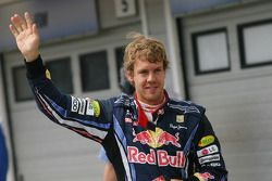 Ganador de la pole Sebastian Vettel, Red Bull Racing