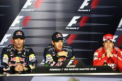 Conferencia de prensa: Ganador de la pole Sebastian Vettel, Red Bull Racing, segundo puesto de Mark