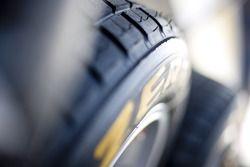 Pirelli regenbanden