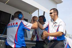 Jenzer team viert pole Nico Muller