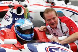 Jolyon Palmer en Jonathan Palmer, CEO MotorSport Vision