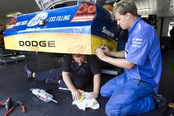 Le Miller Lite répare la #2 Dodge