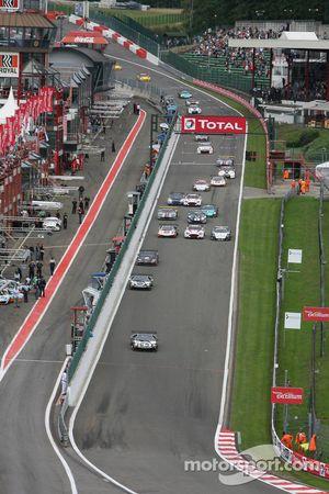 Start: #25 Reiter Lamborghini Murcielago R: Ricardo Zonta, Frank Kechele