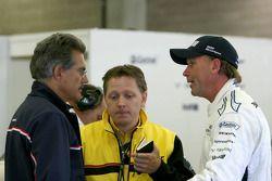 Mario Theissen, head of Motorsport BMW talks with Uwe Alzen