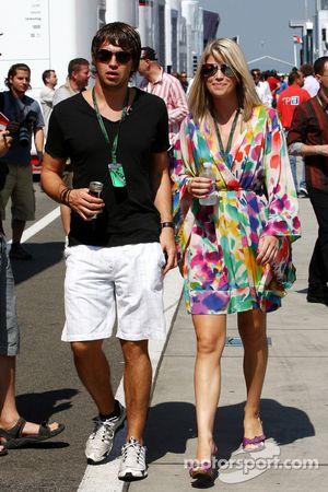 Isabell Reis novia de Timo Glock, Virgin Racing