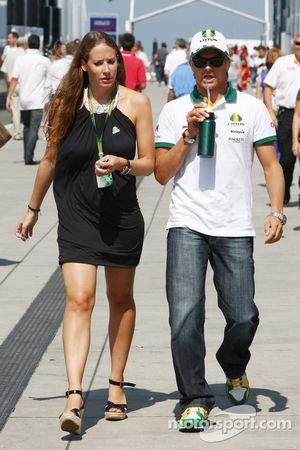 Catherine Hyde novia de Heikki Kovalainen Lotus F1 Team