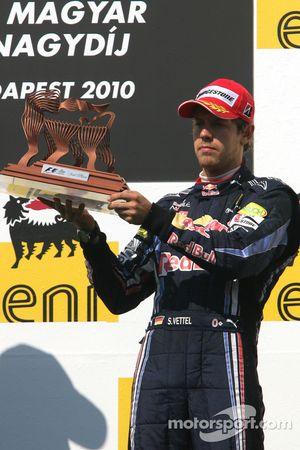 Podio: tercer lugar Sebastian Vettel, Red Bull Racing