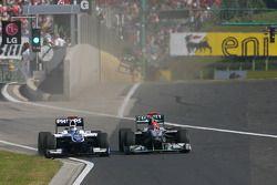 Rubens Barrichello, Williams F1 Team y Michael Schumacher, Mercedes GP