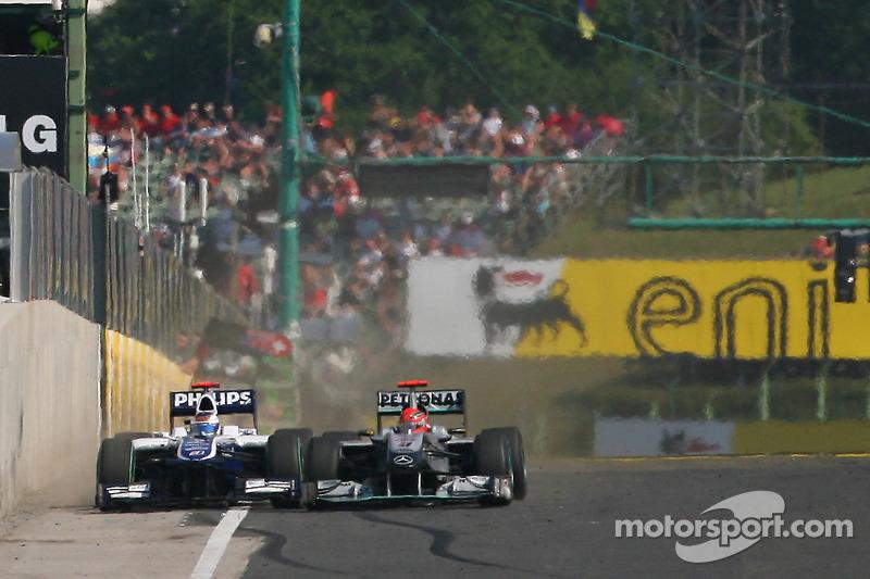 Rubens Barrichello y Michael Schumacher en Hungría 2010