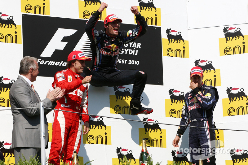 Podium: vainqueur Mark Webber, Red Bull Racing, 2e  Fernando Alonso, Scuderia Ferrari, 3e Sebastian Vettel, Red Bull Racing