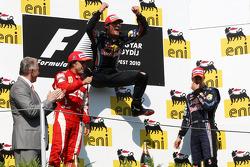 Podium: Mark Webber, Red Bull Racing, Fernando Alonso, Scuderia Ferrari, Sebastian Vettel, Red Bull Racing
