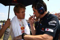 Sebastian Vettel, Red Bull Racing ve Guillaume Rocquelin his mühendis