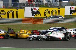 Vitaly Petrov, Renault F1 Team y Pedro de la Rosa, BMW Sauber F1 Team