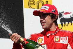 Podio: segundo lugar Fernando Alonso, Scuderia Ferrari