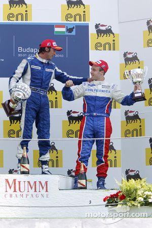 Giacomo Ricci fête son succès sur le podium avec Davide Valsecchi