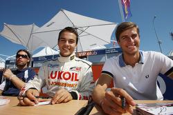 Sergey Afanasiev et Nicola de Marco lors de la session d'autographes