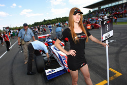 Jolyon Palmer on the grid