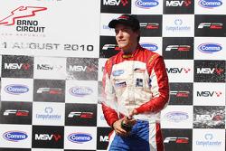 Jolyon Palmer vainqueur de la course 2