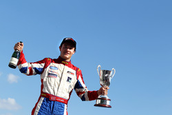 vainqueur Jolyon Palmer