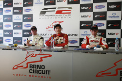 Race winner Jolyon Palmer, second placed Dean Stoneman, and third placed Kazim Vasiliauskas in the post-race press conference
