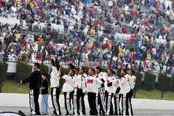 Roush Fenway Racing Ford membres de l'équipe font la fête pour la victoire de Greg Biffle