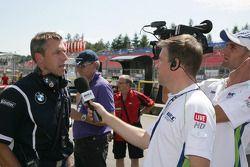Bart Mampaey, Team Principal, BMW Team RBM devant les médias