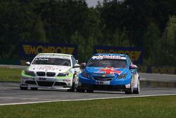 Augusto Farfus BMW Team RBM BMW 320si et Robert Huff Chevrolet, Chevrolet Cruze LT