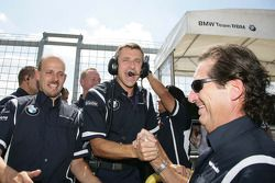 Bart Mampaey, Team Principal, BMW Team RBM fête la victoire d'Andy Priaulx BMW Team RBM BMW 320si