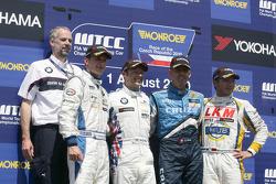 Podium: 2nd Colin Turkington eBay Motors BMW 320si, 1st Andy Priaulx BMW Team RBM BMW 320si, 3rd Ala