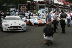Speed Lover Aston Martin en Gulf Team First Lamborghini