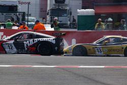 #12 Mad-Croc Racing Corvette Z06: Oliver Gavin, Pertti Kuismanen, #13 Phoenix Racing / Carsport Corvette Z06: Marc Hennerici, Mike Hezemans