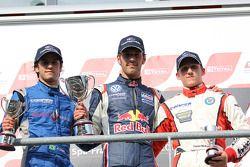 Podium: winnaar Jean-Eric Vergne, 2de Felipe Nasr, 3de Daniel McKenzie