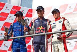 Podium: Felipe Nasr, Jean-Eric Vergne en Daniel Mckenzie