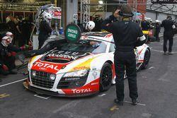 Passage aux stands pour #73 WRT Belgian Audi Club Audi R8 LMS GT3: Stéphane Ortelli, Kurt Mollekens, Stéphane Lemeret, François Verbist