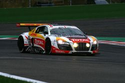 On continue avec un pare-brise endommagé pour la #73 WRT Belgian Audi Club Audi R8 LMS GT3: Stéphane Ortelli, Kurt Mollekens, Stéphane Lemeret, François Verbist