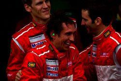 vainqueurs Romain Dumas, Jörg Bergmeister, Martin Ragginger et Wolf Henzler font la fête