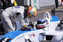 2de plaats Laurens Vanthoor, Signature, Dallara F308 Volkswagen en winnaar Edoardo Mortara, Signatur