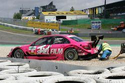 Susie Stoddart, Persson Motorsport, AMG Mercedes C-Klasse in het gravel na crash