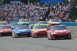 Juan Pablo Montoya, Earnhardt Ganassi Racing Chevrolet leads the field