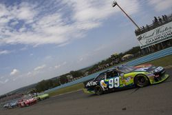 Pace lap: Carl Edwards, Roush Fenway Racing Ford leads the field
