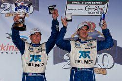DP podium: class et toutes catégories vainqueurs Memo Rojas et Scott Pruett celeberate