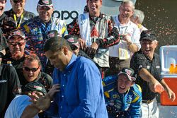 Brad Daugherty gets a Gatorade shower