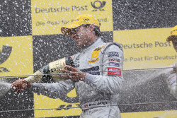 Podium: race winner Bruno Spengler, Team HWA AMG Mercedes C-Klasse