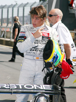 Derde plaats Roberto Merhi, Mücke Motorsport, Dallara F308 Mercedes