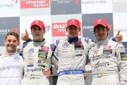 Podium: race winner Edoardo Mortara, Signature, Dallara F308 Volkswagen, third place Roberto Merhi, Mücke Motorsport, Dallara F308 Mercedes