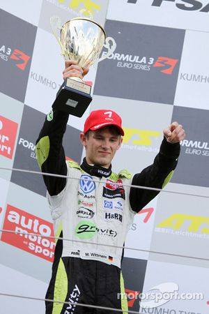 Podium: second place Marco Wittmann, Signature Dallara F308 Volkswagen