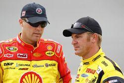 Kevin Harvick, Richard Childress Racing Chevrolet et Clint Bowyer, Richard Childress Racing Chevrole