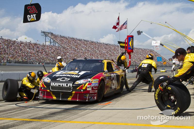 Arrêt au stand pour Jeff Burton de Chevrolet